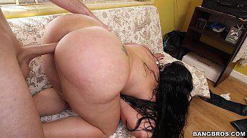 Morena cavalona com seu rabão top